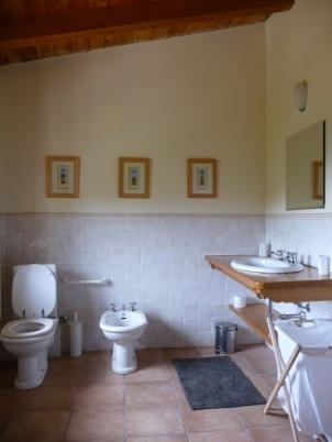 bathroom upstairs lowres